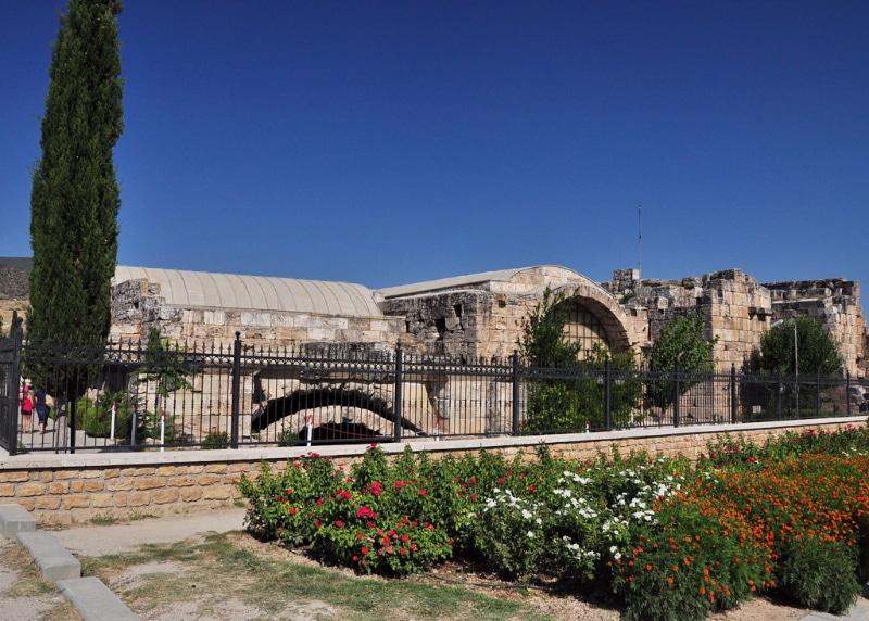 pamukkale-museum-roman-bath