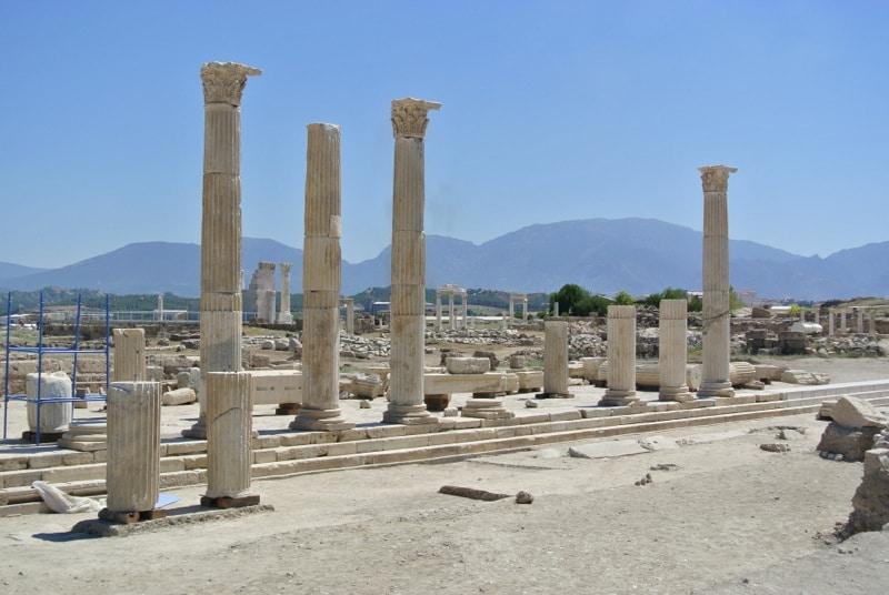 laodicea-pillar
