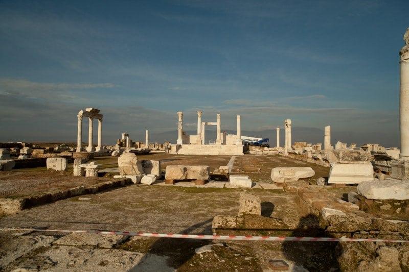 laodicea-temple-zeus-5