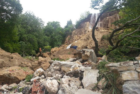 guney-waterfall-landslide-collapsed